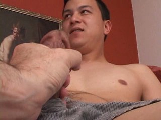 Nervous str8 guy is touched unconnected with a man be beneficial to the first time